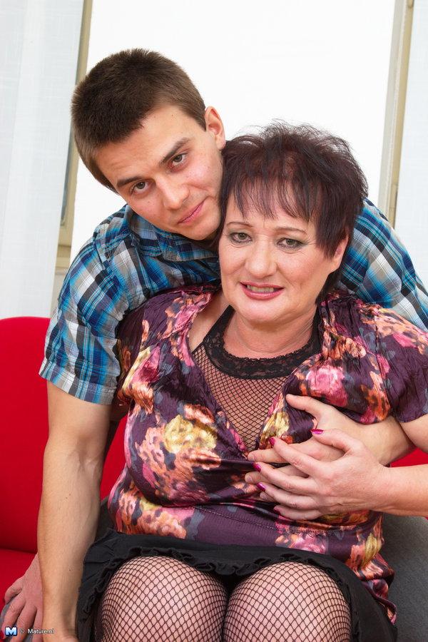 фото секса женщин мамы и сына